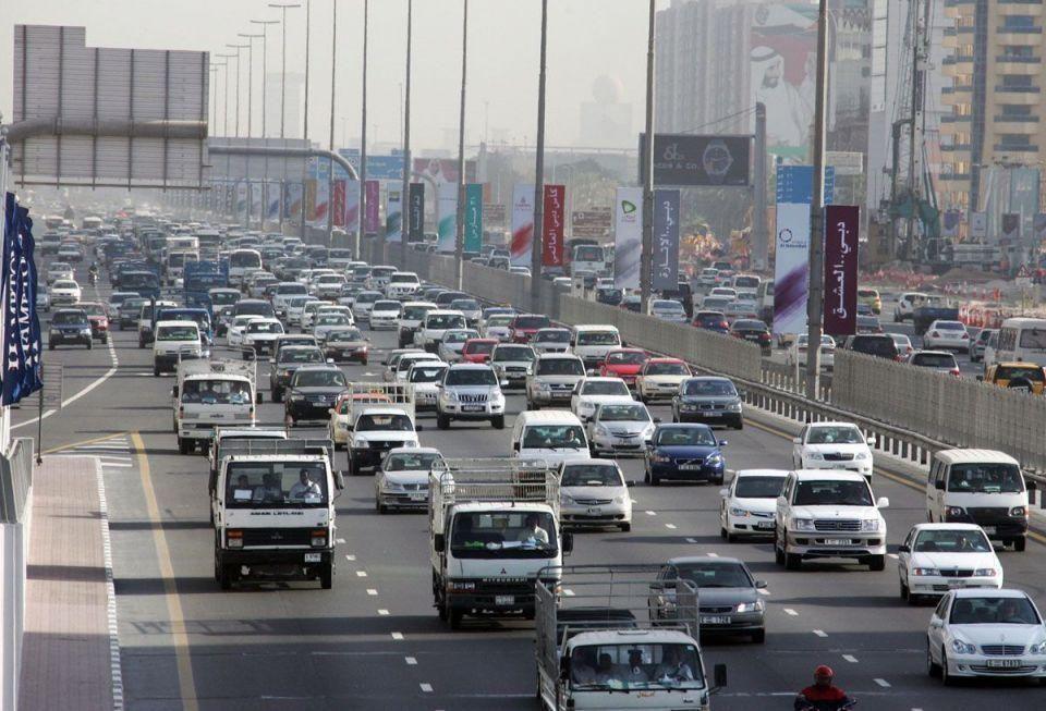 حادث مروري متعدد على طريق دبي أبوظبي